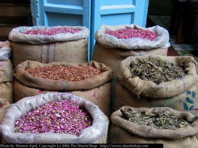 Potpourri_in_spice_market